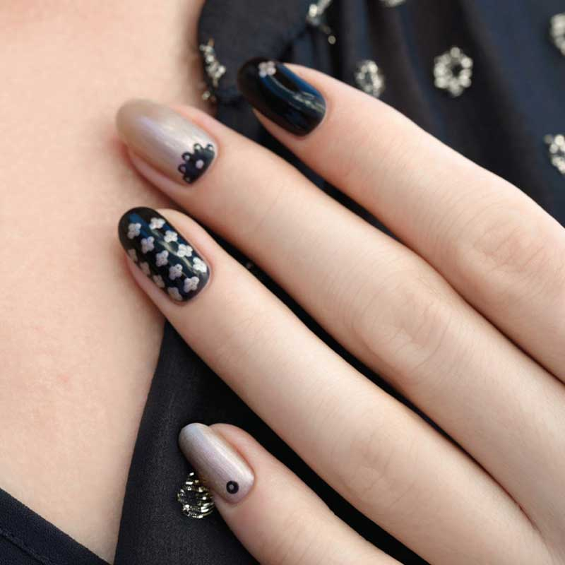 pampering_nail_details